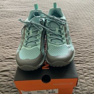 New in Box! Merrell Siren Edge all terrain shoes.